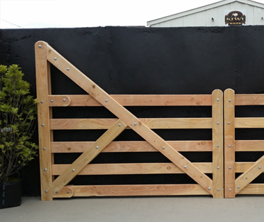 Wooden Gates, Kiwi Wood | Christchurch | Canterbury | NZ