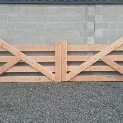 chunky high end entrance gates 2m long $795